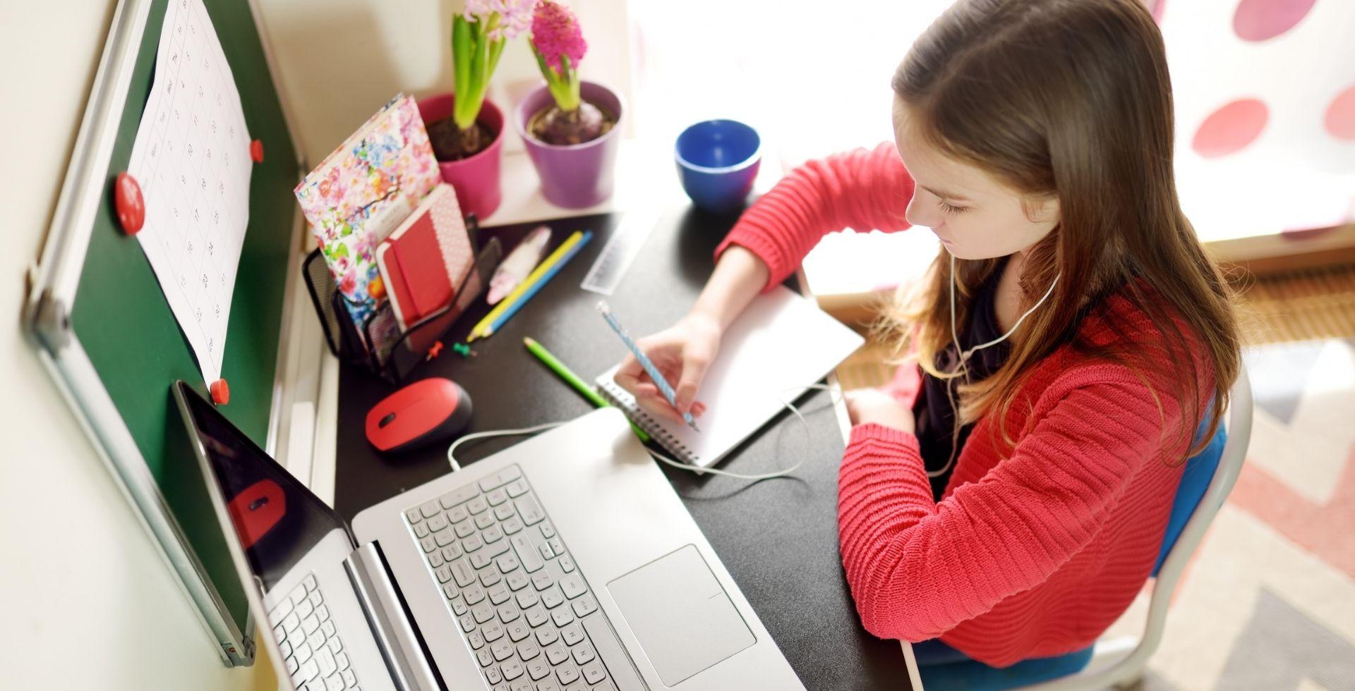 Çevrimiçi eğitmenlik ile online eğitim